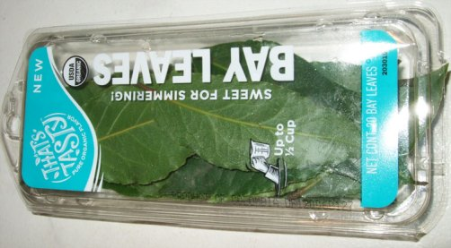 Store bought fresh bay leaves from a natural grocery. About a 1/2 cup of leaves in the box.