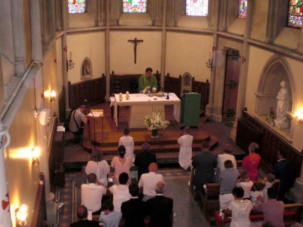 Première communion, messe avec la communauté polonaise.