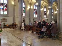 Des paroissiens se sont joint à la prière