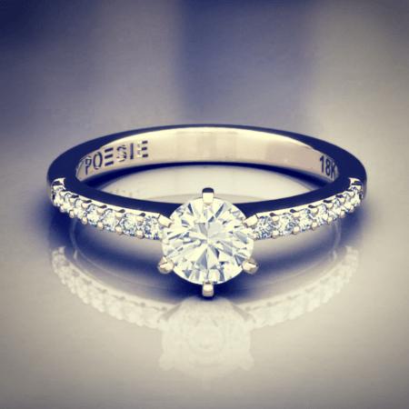 detalhe de anel de diamante