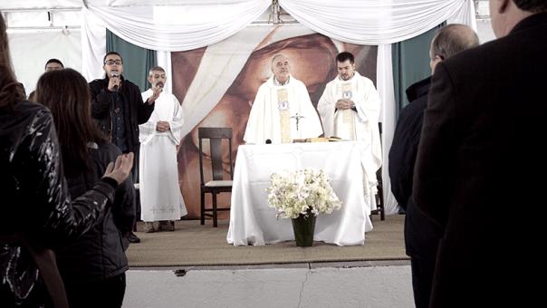 Padre Antonello na Missa