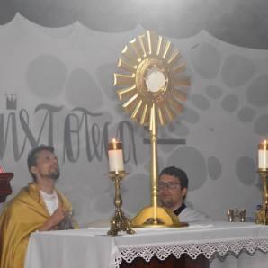 Momento de adoração na Cristoteca