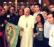 Jovens latino-americanos-com o Papa Francisco
