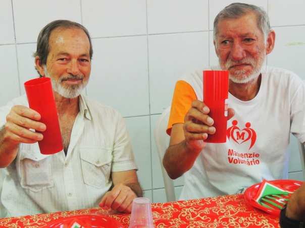 Acolhidos almoçam no Centro Morada Nova Luz