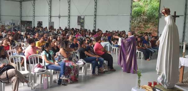 Padre João Henrique celebrou a Missa de encerramento do encontro.