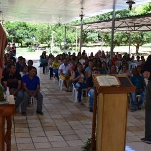 Padre Evandro realizou duas pregações na parte da manhã.