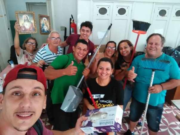 Voluntários que serviram em evento do Domingo da Misericórdia em Piracicaba