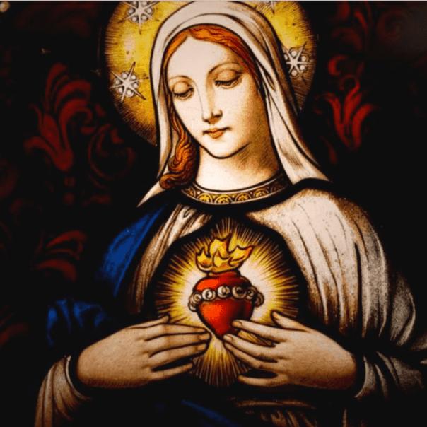 Maria com o Coração Imaculado exposto