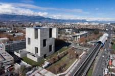 02_Aravena-_Scientific-innovation-_Centre-8