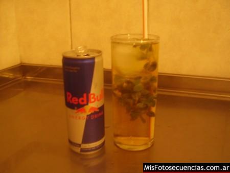 Red Bull + Bacardi + Menta = Bullrito