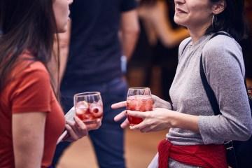 """""""Detrás de Barra, manual de coctelería"""" por Pipi Yalour"""