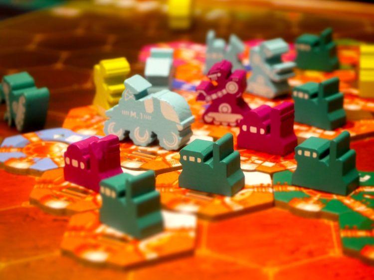 Euros - Interacción, dureza y tema - juegos de mesa