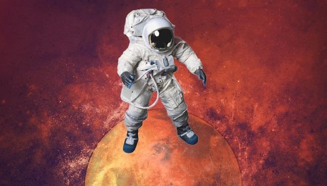 LouCii - Future Rave on Mars