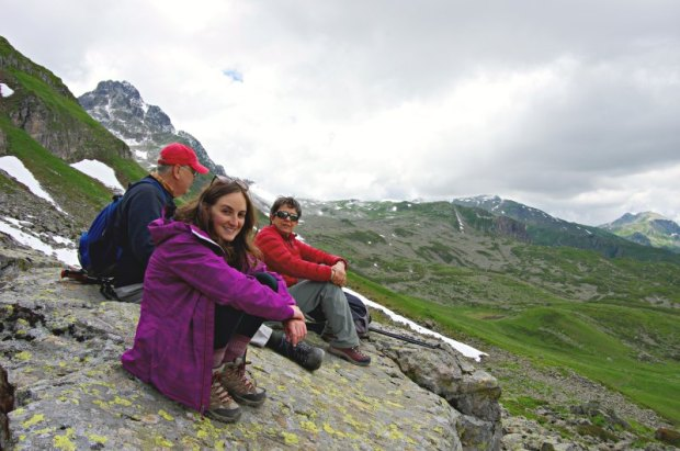 hiking-french-alps-lunch