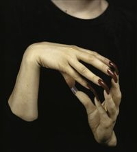 manos.-por Janine Antoni.-offoffoff art review speaking with hands photographs