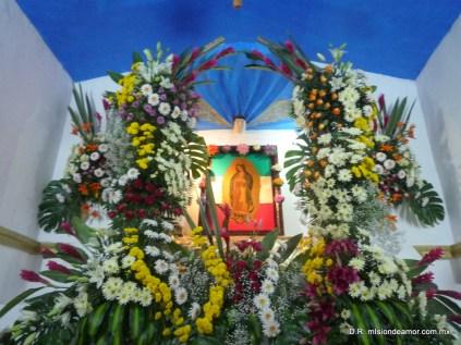 """""""Juanito: el más pequeño de mis hijos, yo soy la siempre Virgen María, Madre del verdadero Dios, por quien se vive."""