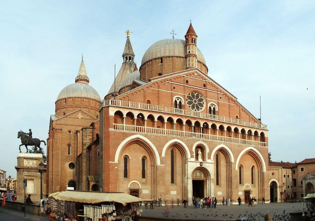 La Basilica di Sant'Antonio a Padova, Padova, Italy Author Stefan Lew