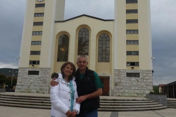 Frente de la Parroquia Santiago Apostol de Medjugorje