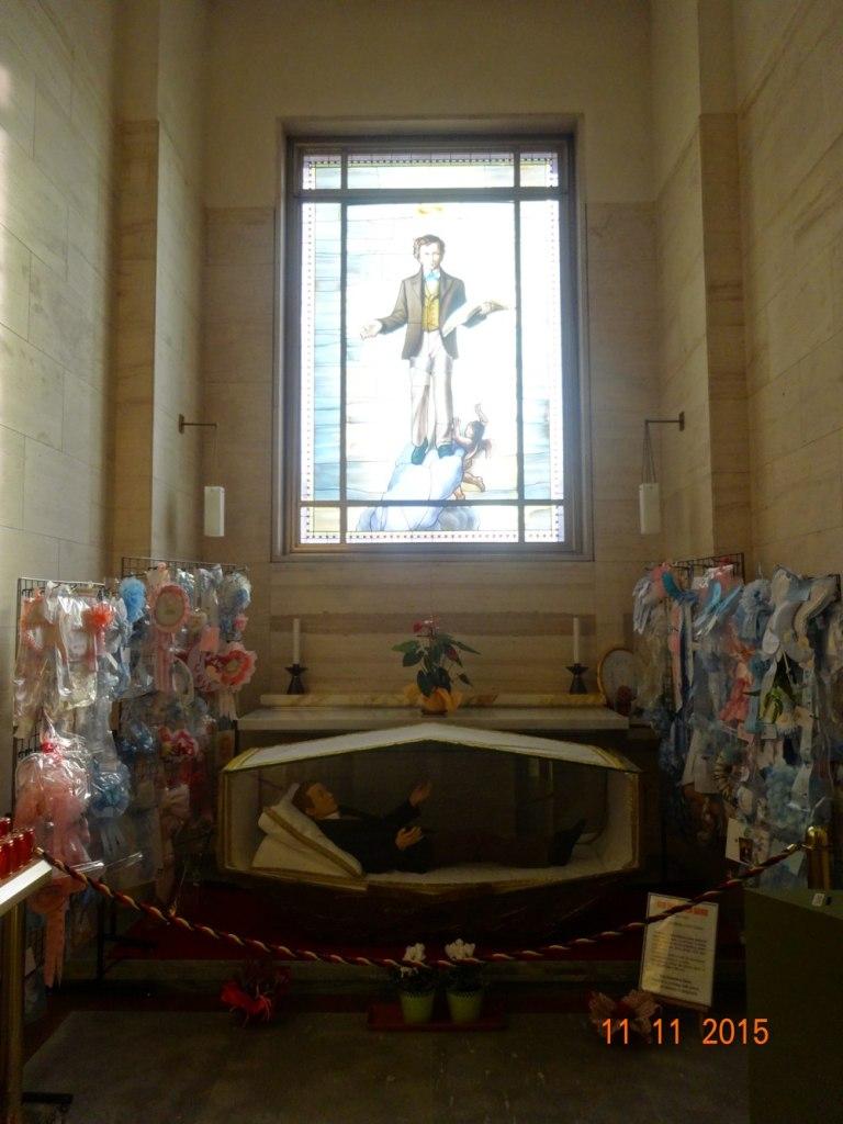 Altar en honor a Santo Domingo Savio