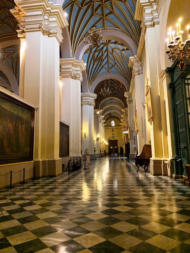 Interior de la Catedral - 1