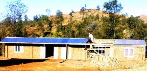Budowa szkoły w wiosce Fialofa.