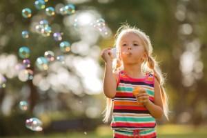 Juego exterior de hacer burbujas