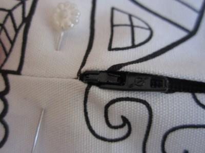 mis nancys, mis peques y yo, tutorial funda de cojin colocar cremallera 2