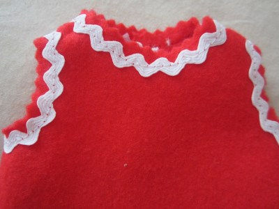 mis nancys, mis peques y yo, disfraz duende de navidad fieltro detalle cuello