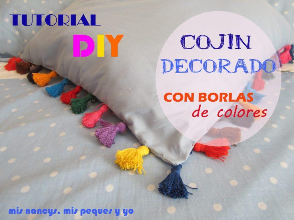 mis nancys, mis peques y yo, tutorial DIY como decorar un cojin con borlas de colores