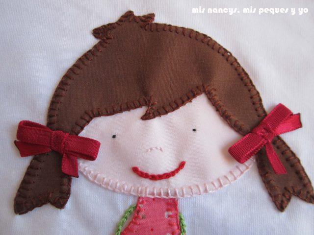 mis nancys, mis peques y yo, tutorial aplique en camiseta muñequita, cosemos lazos en las coletas