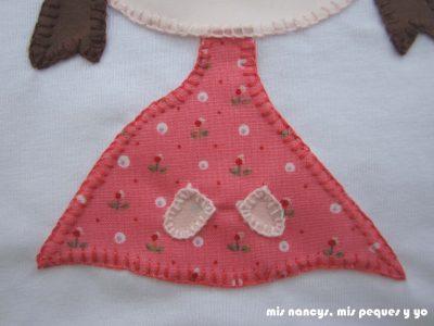 mis nancys, mis peques y yo, tutorial aplique en camiseta muñequita, cosemos punto feston del vestido