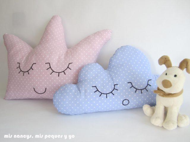 mis nancys, mis peques y yo, cojines dormilones nube y corona con perrito