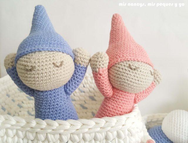 mis nancys, mis peques y yo, mordedores conejito de crochet, detalle bebes dormilones amigurumis