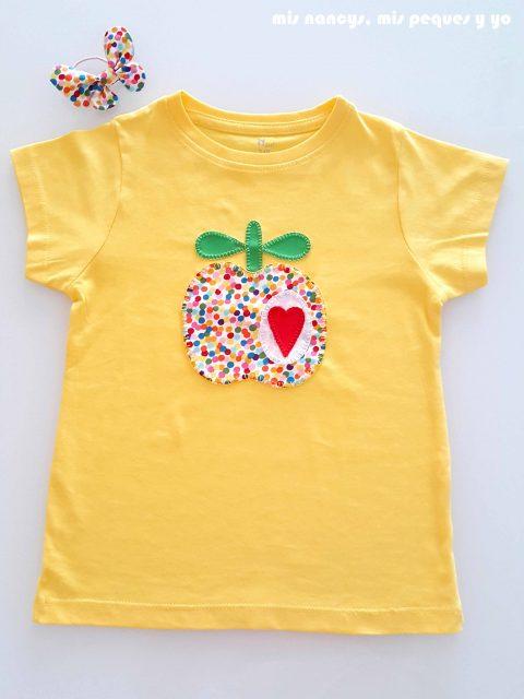 mis nancys, mis peques y yo, tutorial como personalizar camisetas, aplique de manzana, camiseta terminada