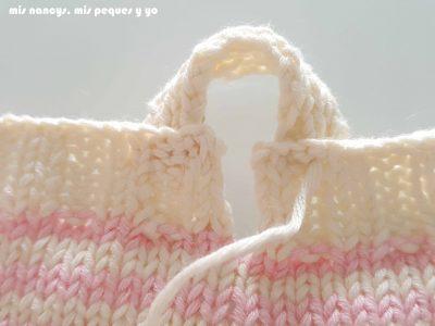 """mis nancys, mis peques y yo, tutorial jersey de punto para Nancy """"Fresa y nata"""", coser los tirantes a la espalda"""