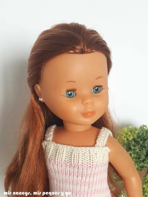"mis nancys, mis peques y yo, tutorial jersey de punto para Nancy ""Fresa y nata"", detalle escote"