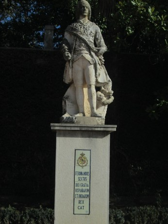 Carmen de los Mártires. Escultura de la explanada. Granada. Foto: Francisco López