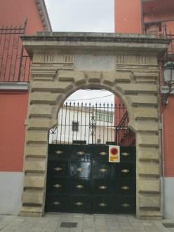Pl. del Padre Suárez. Puerta de la antigua cárcel. Foto: Francisco López