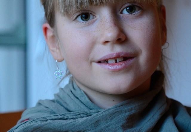 El mal olor de aliento en niños
