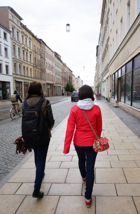 Vom Bahnhof Görlitz Richtung Altstadt: Anfang der Stadtführung. Copyright: Sani und Maggi