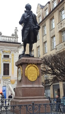 Goethe-Denkmal in Leipzig an der Mädler-Passage