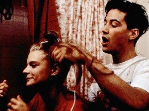 В этом фильме играет еще совсем молодой Киану Ривз. Узнали?