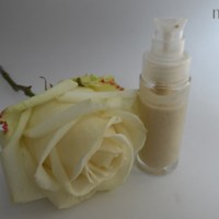 "<!--:de-->Creme ""frisch wie eine Rose""<!--:--><!--:fr-->Crème ""fraiche comme une rose""<!--:-->"