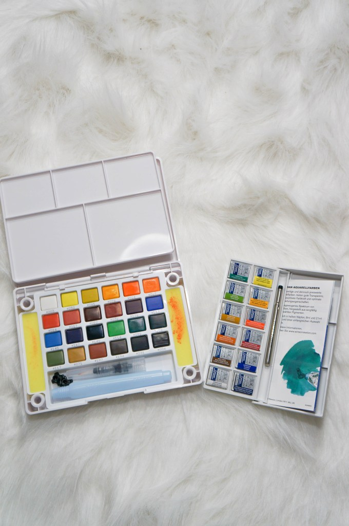 Watercolor paint bullet journal supplies Koi and winstor | Make beautiful watercolor art with these amazing color palettes.