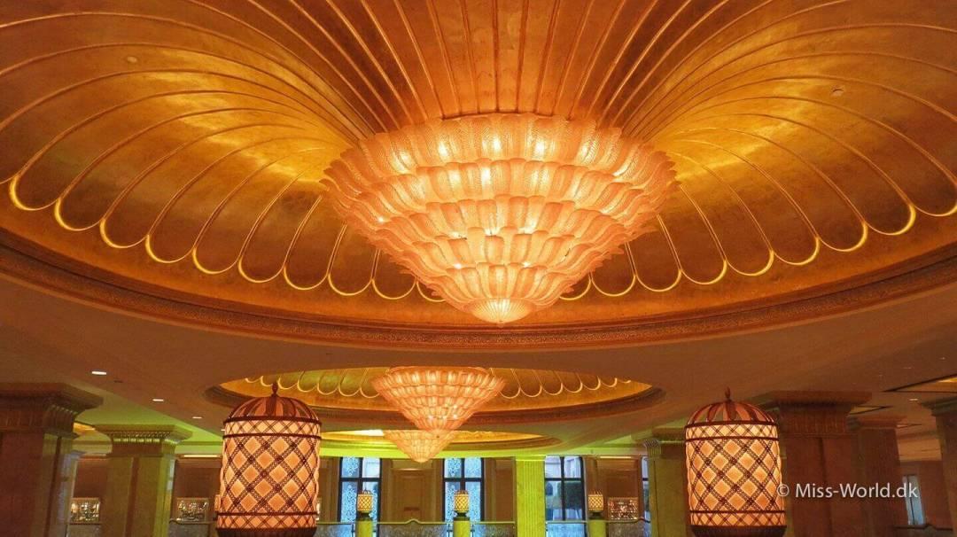 Emirates Palace Hotel Abu Dhabi - Ceiling of gold