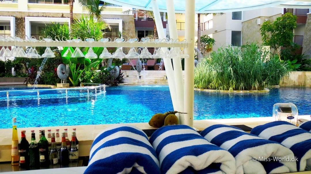 Hotel Swiss-Belresort Watu Jimbar Sanur Bali - Pool Bar