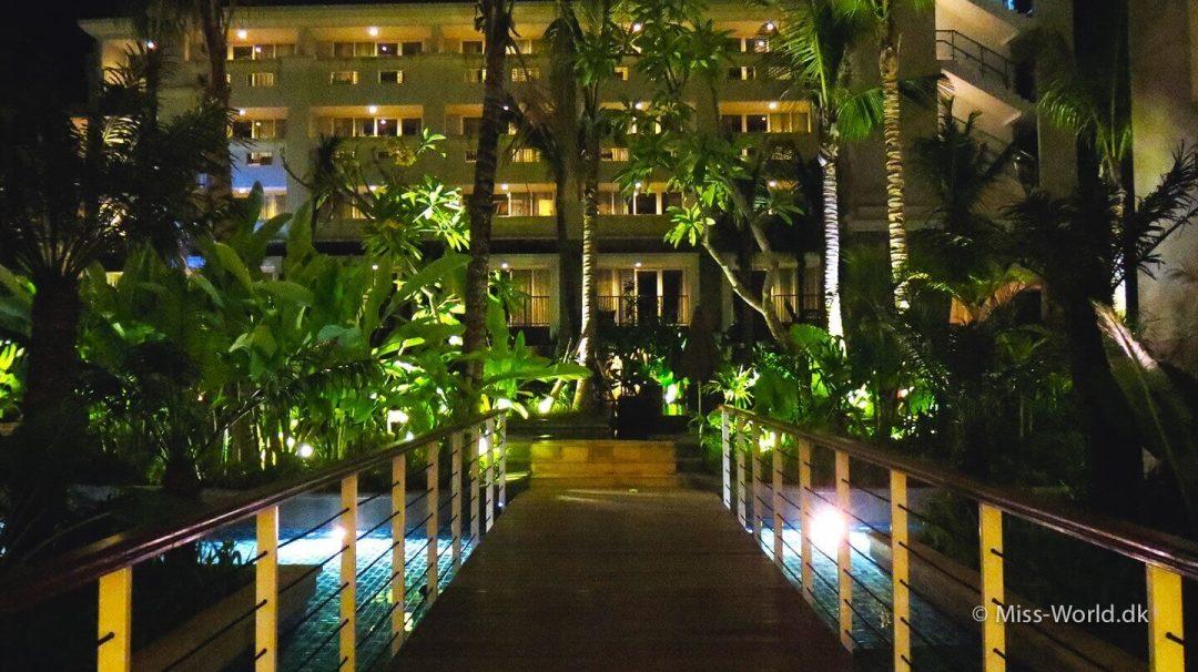 Hotel Swiss-Belresort Watu Jimbar Sanur Bali - By night