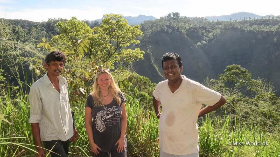 Fotostop på vejen til Ravana Cave I Ella, Sri Lanka