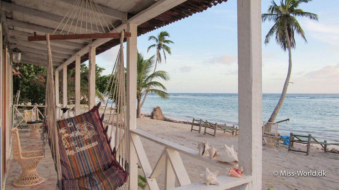 Der er kun ét sted man kan overnatte på Isla Saona. Et lille guest house med 10 værelser og koldt vand i bruseren