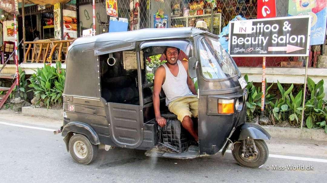 Tuk tuk driver Dharshana from Ella Sri Lanka